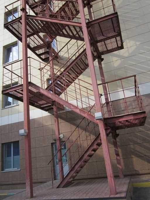 металлические эвакуационные лестницы