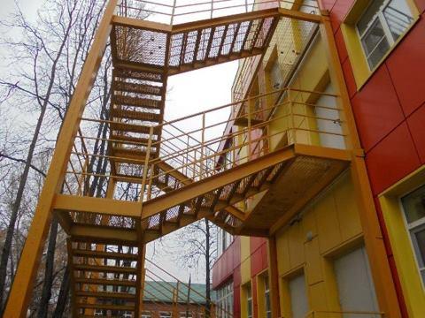 металлические противопожарные лестницы