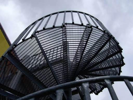 винтовая металлическая лестница цена