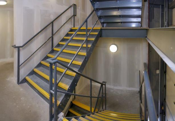 внутренние противопожарные лестницы
